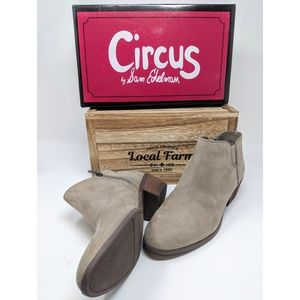 Booties circus by Sam Edelman size 8 suede